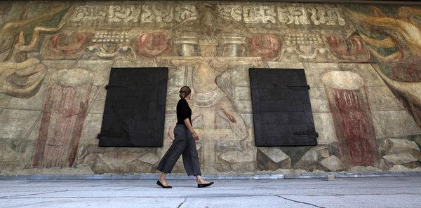 La-ed-mural-siqueiros-los-angeles-20121009-001