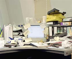 Best_messy_desk_2